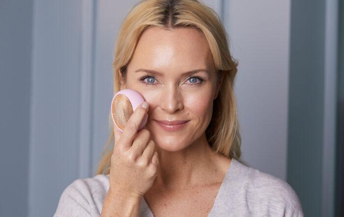 Causes, conséquences et solutions contre le vieillissement de la peau
