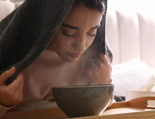 Le bain de Vapeur Pour le Visage Pour des Imperfections qui Partent en Fumée !