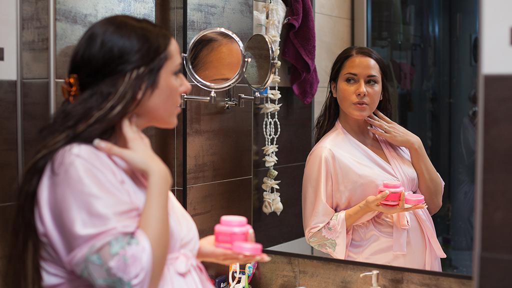 Protéger sa grossesse des cosmétiques néfastes