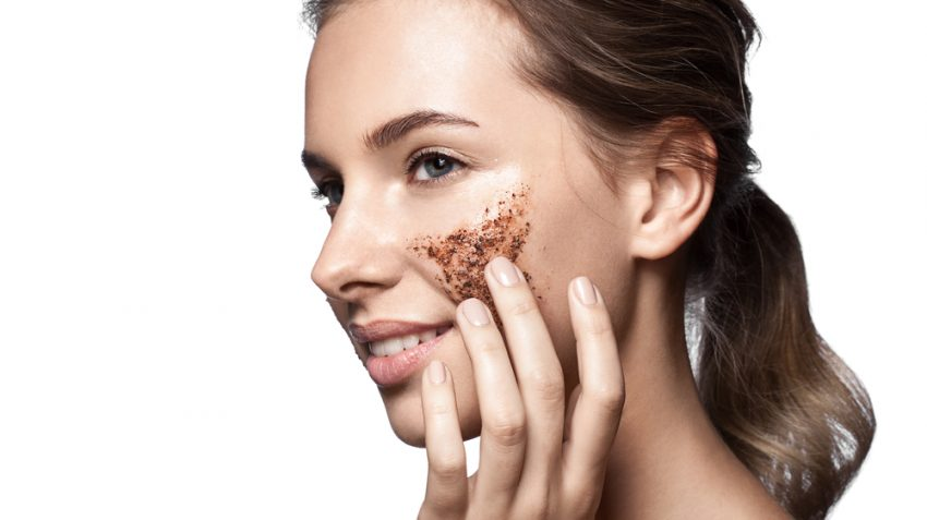 girl with sugar scrub on the face