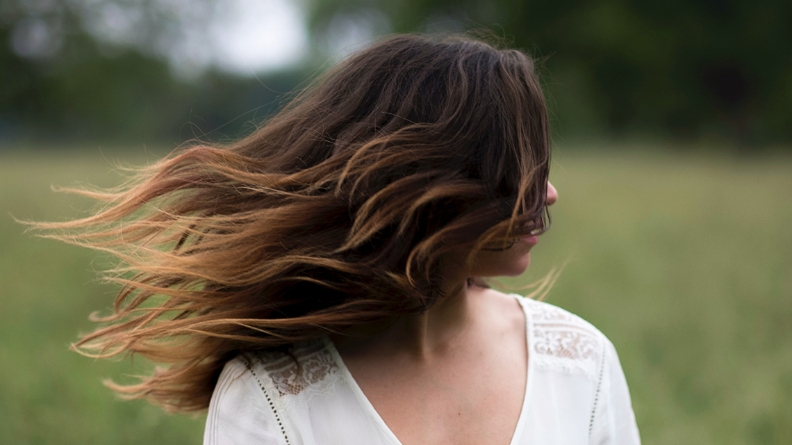 Hair Color Ideas To Help Grow Out Your Roots Gracefully