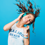 5 Summer Jams to Help You Brush Your Teeth for the Recommended 2 Minutes