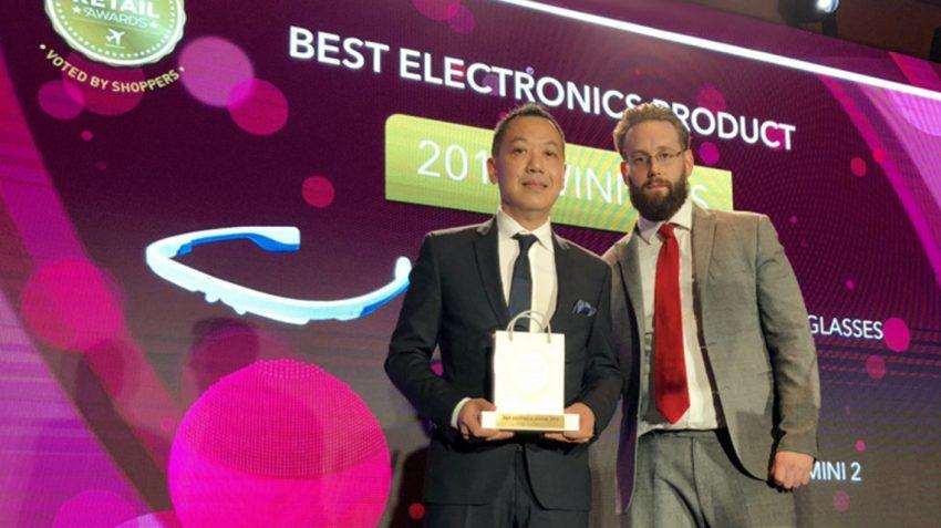 Gary Leung of FOREO accepting the award