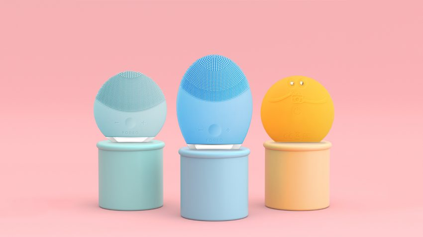 FOREO LUNA ways to clean products