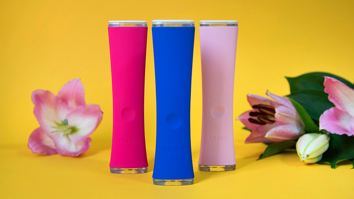 FOREO espada in different colors on yellow background