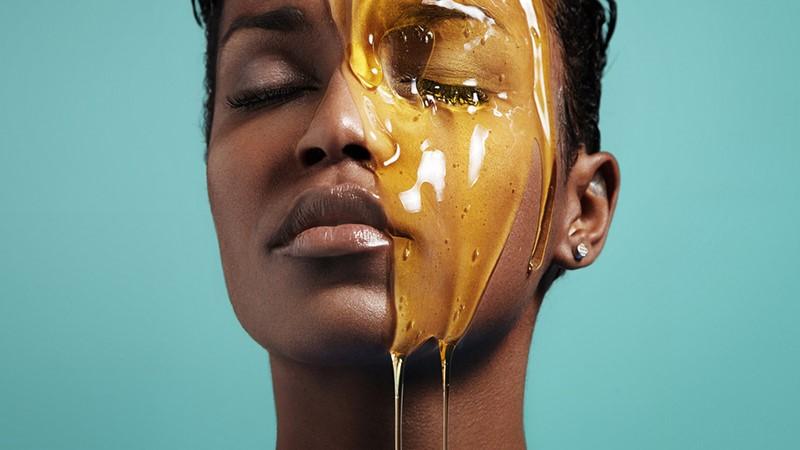 Lady with Manuka honey on her face