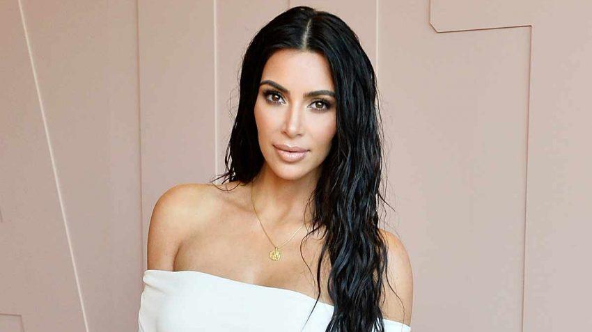 Kim Kardashian natural makeup and damp hair