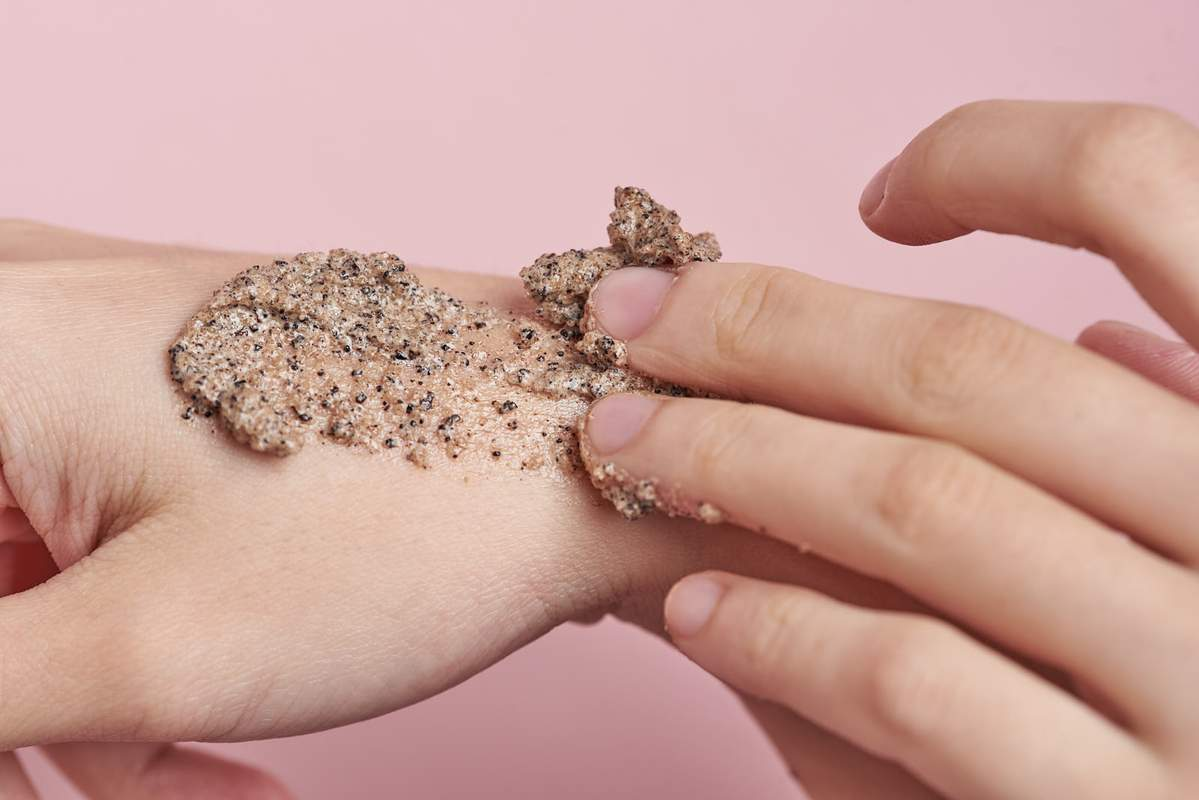 How to use exfoliating scrubs for sensitive skin types